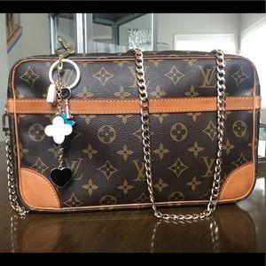 Authentic Louis Vuitton Pochette crossbody